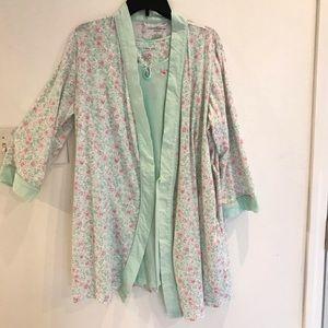 Croft & Barrow gown & robe SZ large- pretty green